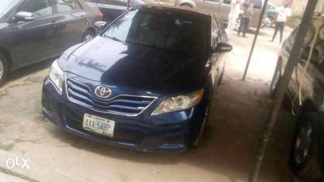 Fresh registered 2010/011 Camry available Lagos Mainland - image 2