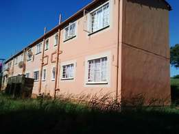 Price reduced - Perfect starter flat in good area.
