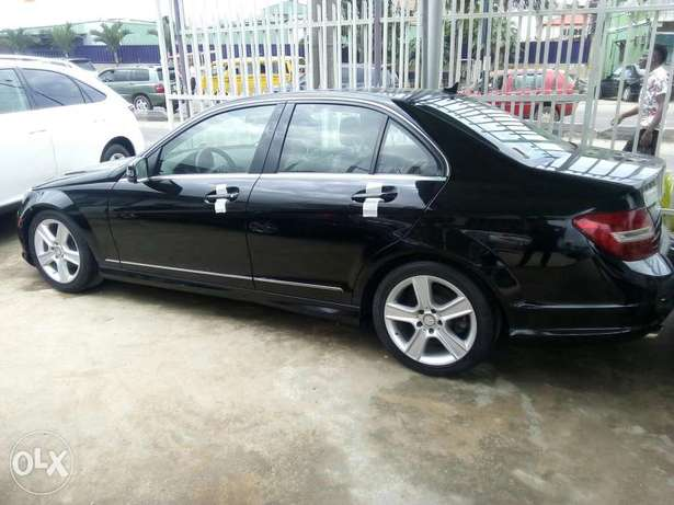 Mercedes-Benz C300 201 model direct tokunbo Ikeja - image 2
