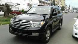 Toyota Land cruiser V8 axg edition 4600 cc petrol fully loaded sunroof