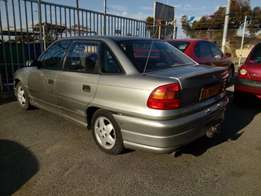Opel Astra 1.8i 1995 on month end special sale R25000