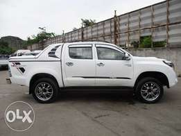 Toyota Hilux double cab Manual Diesel. KCN number 2011 model loaded