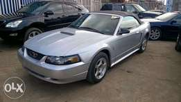 Very Clean Tokunbo Ford Mustang Convertible manual drive