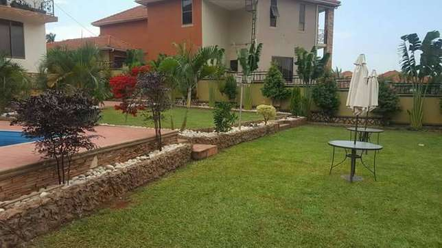 Brand new residential mansion for sale in Nalya with beautiful 6 bedro Kampala - image 1