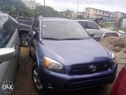 2007 Rav 4 , Nigerian used with new engine