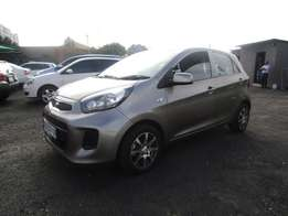 2006 TOYOTA VERSO ,grey in colour ,92 000km ,4doors ,for sale