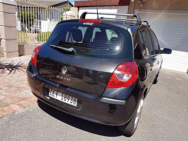 2008 Renault Clio 3 1.6 . ONLY 158000km Kuils River - image 4