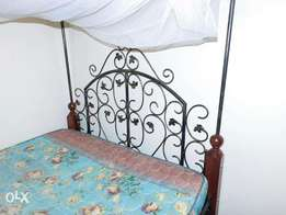 Stunning & sturdy wrought iron bed , 5*6
