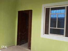 Room n parlour self contain at unity estate oda rd for 120k