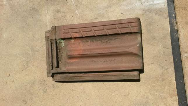 Marseilles roof tiles and ridging, plus minus 4000 available Moore Road - image 5