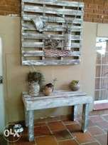 Palet wood decor for wall with table
