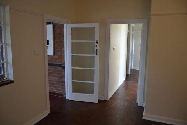3 bedroom house with granny flat in West-end West End - image 6