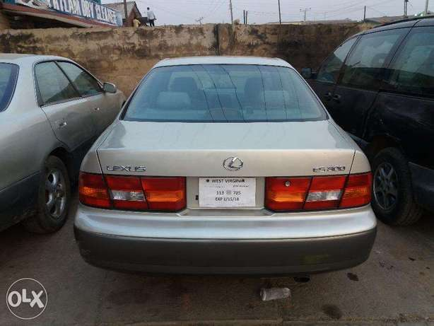 lexus ES 300 with AC working perfectly Ibadan South West - image 2