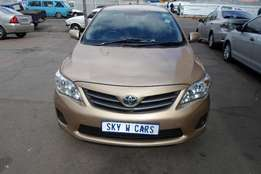 toyota corolla 1.6 professional sedan 2011 model 80000km gold in color