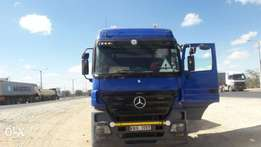 Actros mp2 2006 model very clean immaculate condition buy & drive