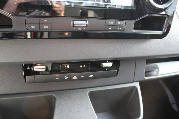 Mercedes-Benz Sprinter - 2018 - image 12