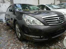 Nissan Teana . KCM number loaded with alloy rims good music system na