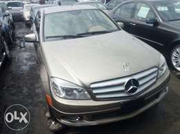 First grade gold color 2008 Mercedes Benz C300 4matic. Tincan cleared