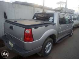 Super clean slightly Nigerian used Ford explorer P/cup with auxiliary