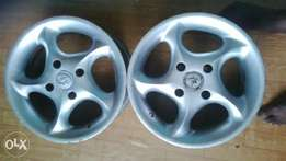 Alloy rims ( 4 Nut)
