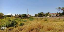 Prime Flat 1/2 Acre plot For Sale In Nyali Near Voyager Beach Hotel.