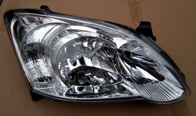 Toyota Corolla E12 04 Lift Reflektor Lampa Przednia Prawa