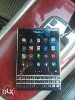 BlackBerry Passport - 7107