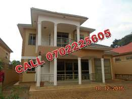Marvelous 4 bedroom house for sale in Nalumunye-Entebbe rd at 350m