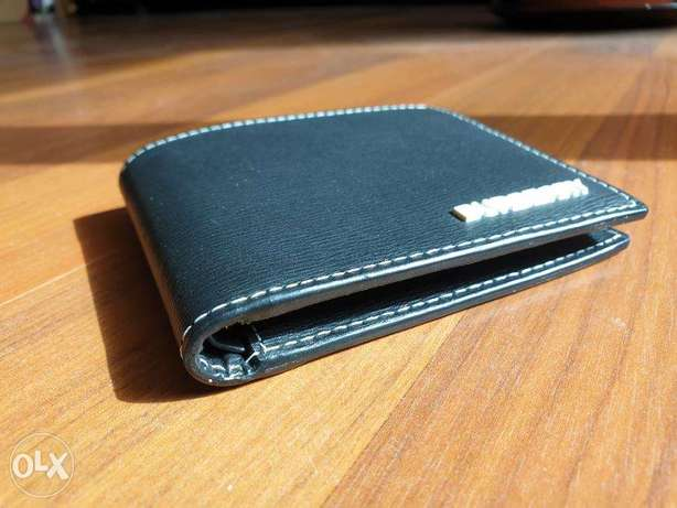 Burberry wallet new