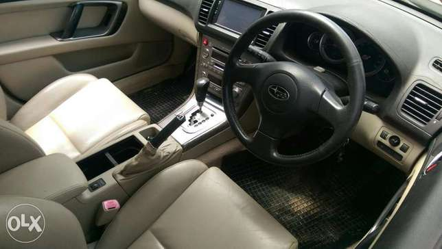 Subaru Outback leather Mombasa Island - image 4