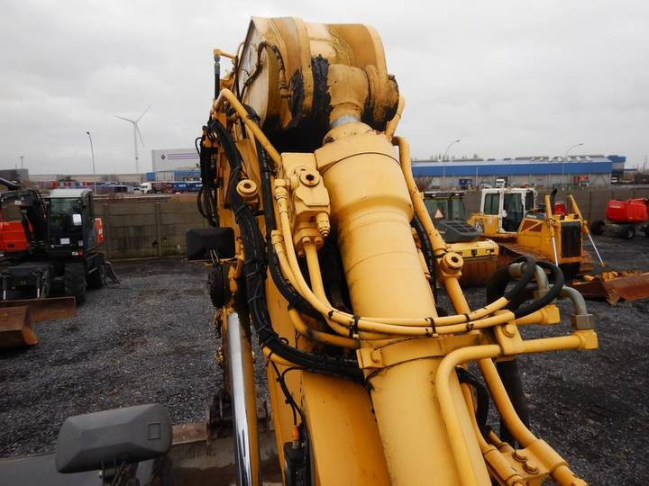 New Holland E135BSR-2 - 2009 - image 26