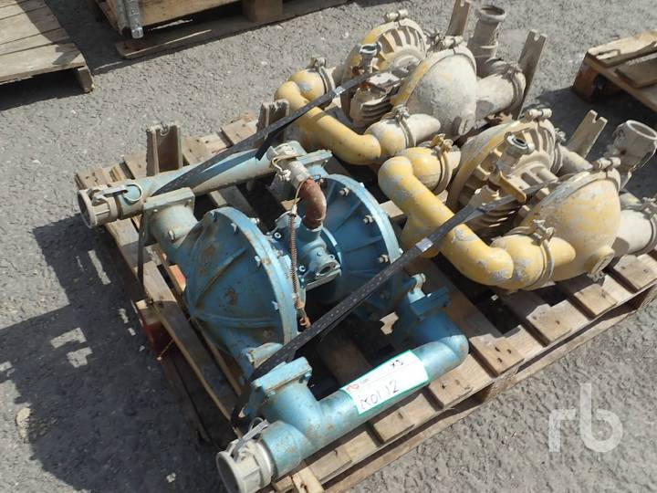 """Quantity of 3 x 3"""" Water Pumps"""