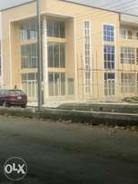 Shop and Office space to let in gra 2.5m per annum