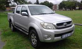 Toyota Hilux 2.7 Double cab very clean.