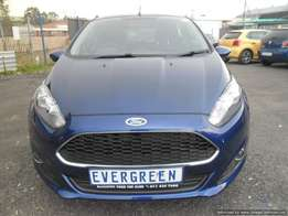 Ford Fiesta 1.0 ecoboost 2016 Model with 4 Doors, Factory A/C and C/D