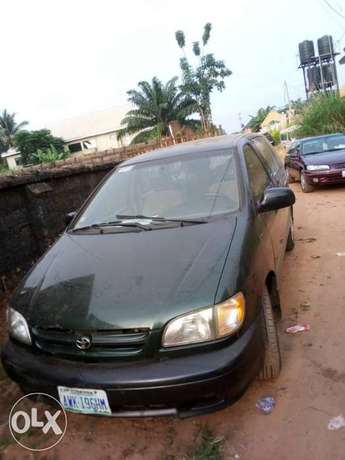 Clean Toyota Siena for sale Awka South - image 3