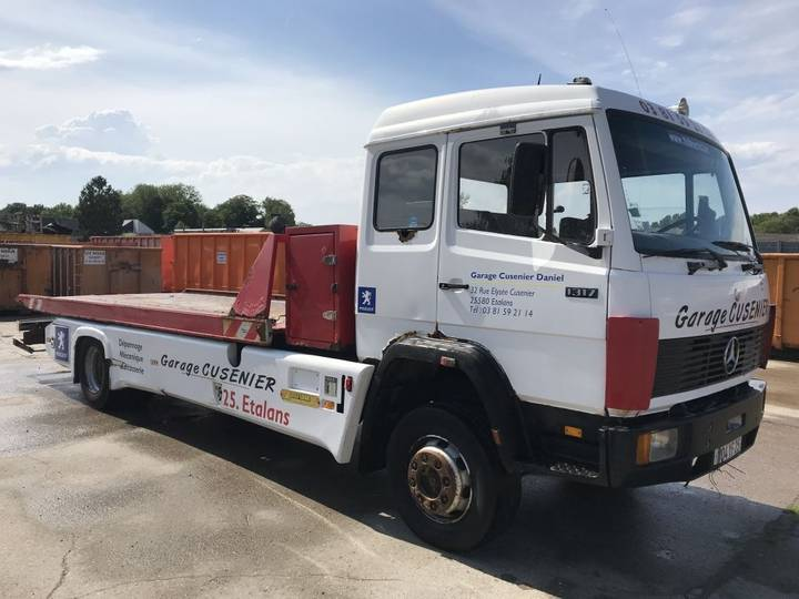 Mercedes-Benz 1317 **RECOVERY TRUCK** - 1986