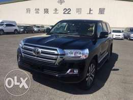 Land Cruiser ZX 2017/Petrol/Auto/4600cc/Leather/Sunroof 15,000,000/=