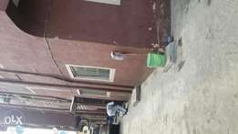 Decent and renovated 2 bedroom flat to let at alagomeji yaba
