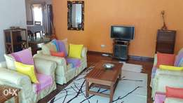 Runda 4brm furnished guest wing , To let