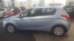 perfect little student car automatic and in style ,I 20 HYUNDA 1.4