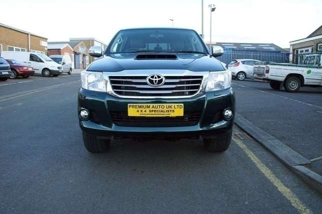 Toyota hilux double Cab brand new car ni Mombasa Island - image 2