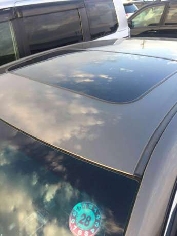 Toyota Markx new shape 2010 with sunroof for sale Hurlingham - image 2