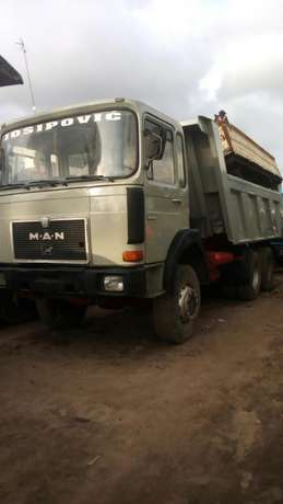 Man diesel #40 tons ten tyres with auxiliary Surulere - image 3
