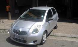 Toyota yaris 1.6 silver in color 2009 model 87000km R69000 confort lin