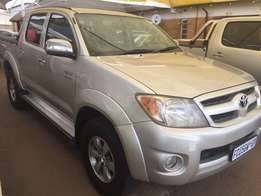Hilux 4.0 V6 4x4 D/C Auto from R3499pm