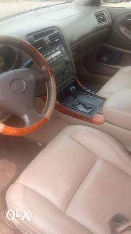 CLEAN Tokunbo GS300 00, automatic, leather interior for N1.950m Surulere - image 5