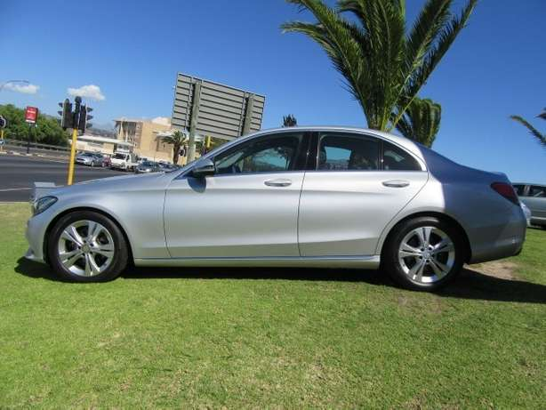 Mercedes Benz C180 A/T- Make your statement... Kuils River - image 3