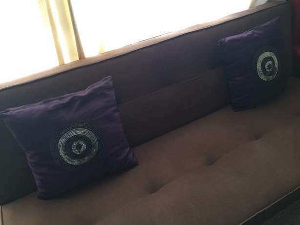 A beautiful Sleeper Couch for sale North Riding - image 3
