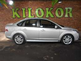 2010 FORD FOCUS 2.0 SI at- R 129,990